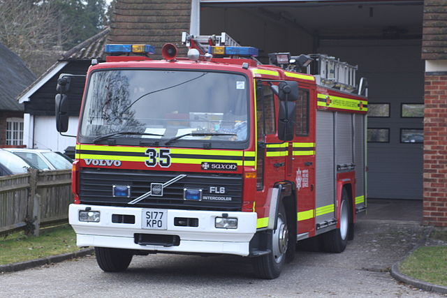 Hampshire fire engine copyright Fallschirmjäger (creative commons)